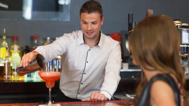 Erotische Geschichte an der Bar